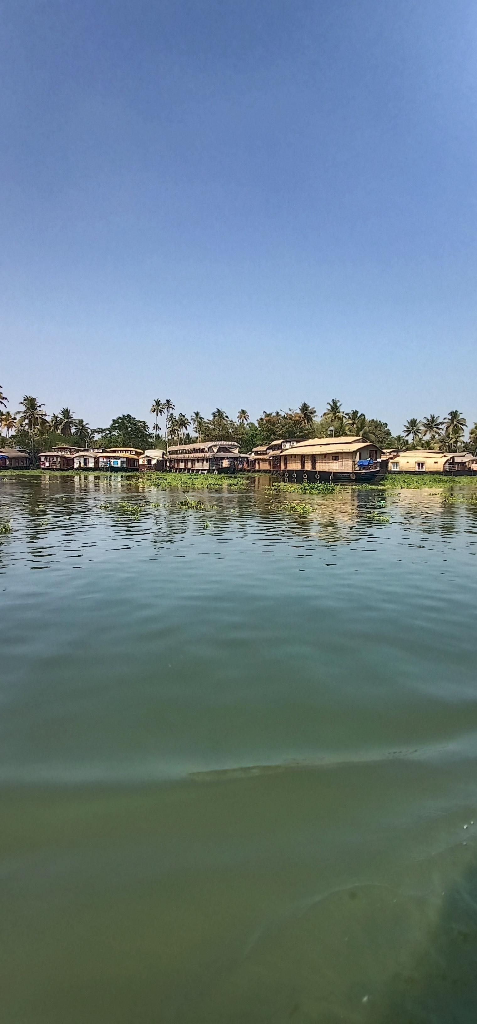 Allapuzha_kerala_backwaters_houseboat