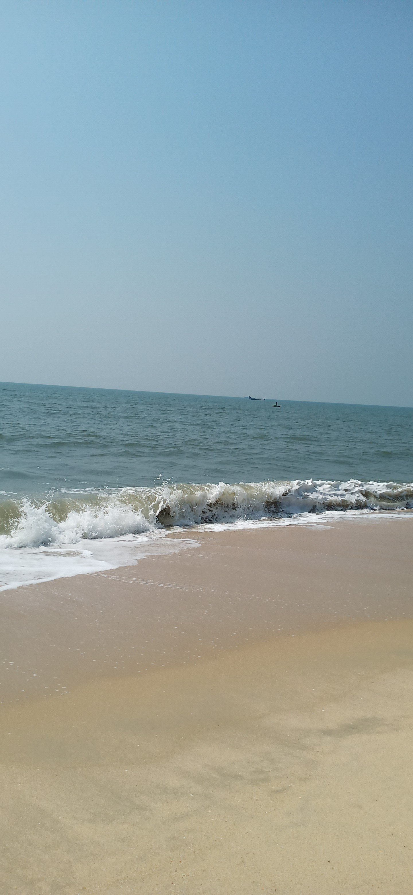 Alleppy_Backwaters_Kerala_houseboat_alleppy_beach